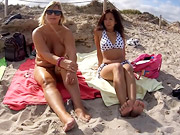Having fun on the nudist-beach with girlfriend